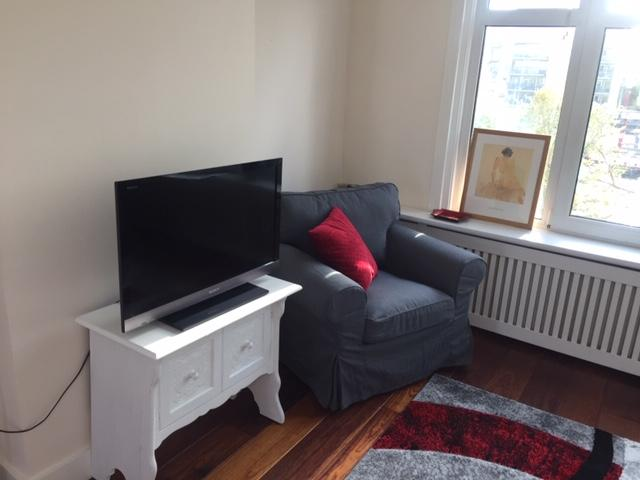 100% - Soft Spacious Central - Two floor Living with a view photo 18358715