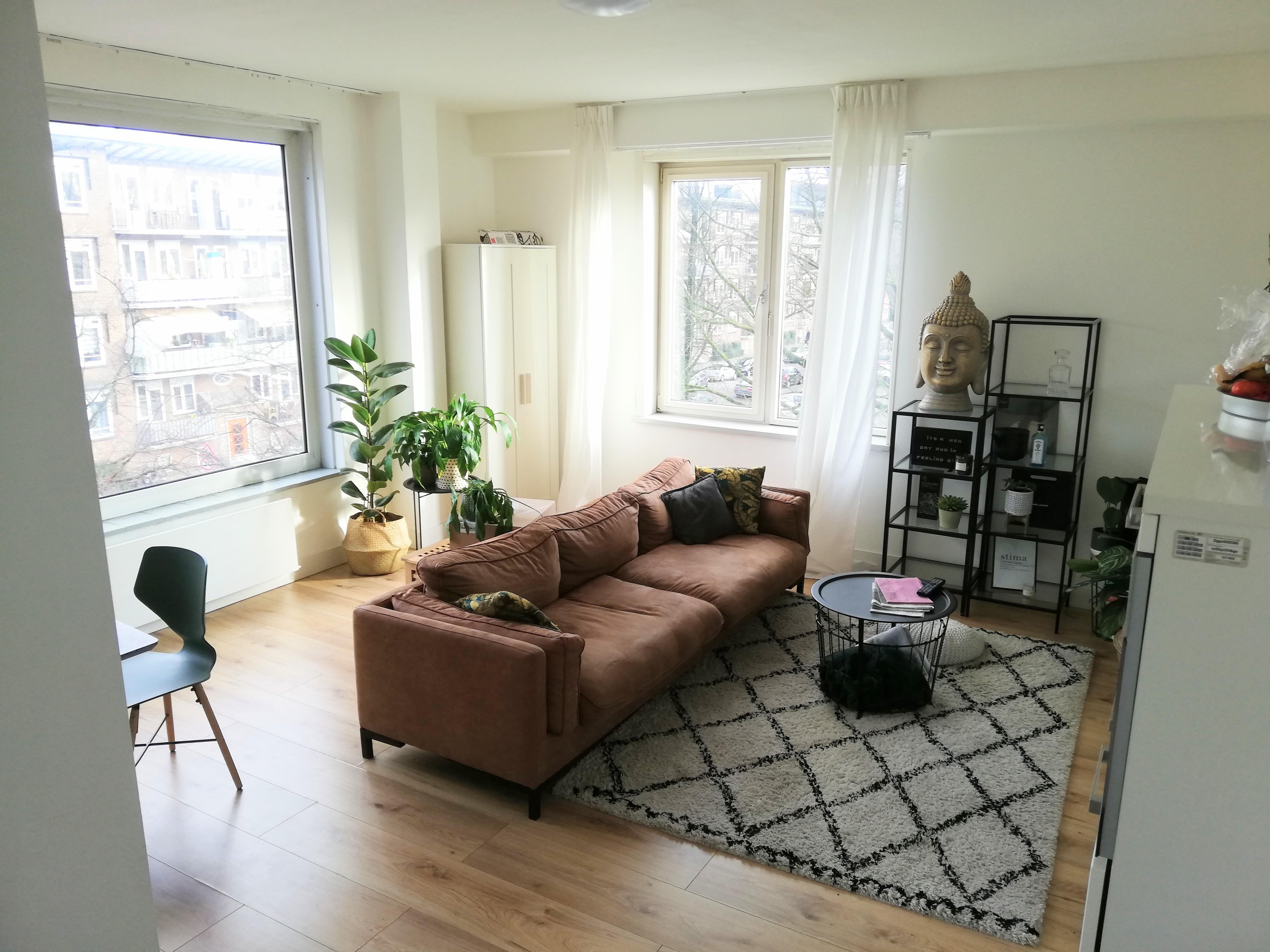 Spacious room to rent photo 25726607