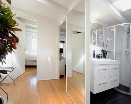 Luxury split level design apartment photo 27887